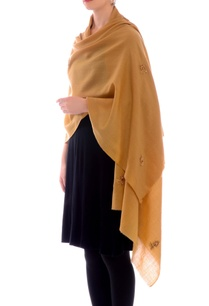 beige-embroidered-cashmere-stole