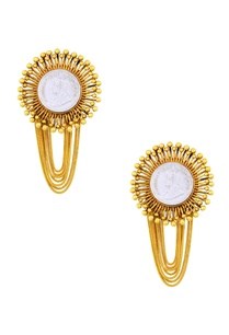 gold-plated-earrings-with-layered-tassels