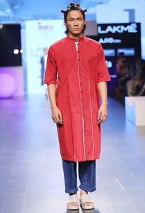 maroon-white-box-pleated-kurta