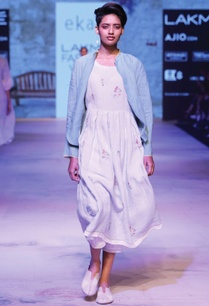 white-linen-printed-dress