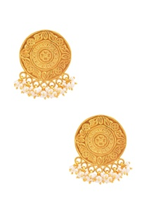 gold-plated-earrings-with-pearls