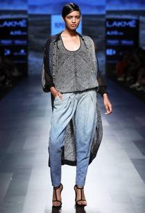 black-white-bhandhani-print-top