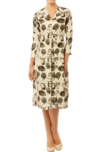 white-black-quirky-caricature-print-dress