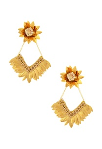 gold-petal-floral-dimante-earrings