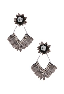 silver-petal-floral-dimante-earrings