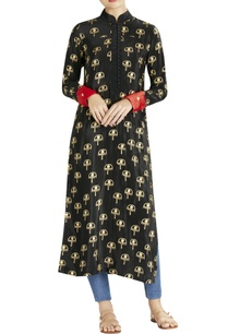 black-sun-umbrella-print-kurta