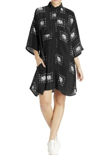black-shirt-dress-with-white-elephant-prints