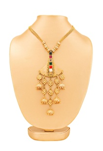 gold-plated-necklace-with-jumki-detail