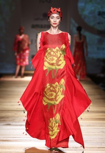 red-rose-print-gown