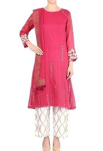 rani-pink-embroidered-kurta-set
