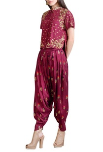 wine-embroidered-top-pleated-pants