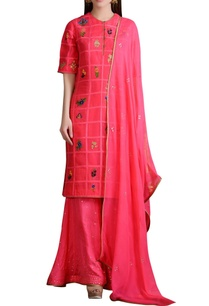 bright-pink-applique-detailed-kurta-and-sharara-set