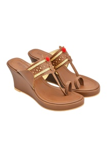 dark-brown-kolhapuri-wedges