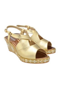 gold-kundan-work-wedges
