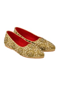 antique-gold-zardozi-juttis
