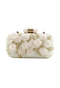 white-clutch-with-embroidery-and-flowers