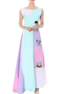 pastel-maxi-dress-with-embroidered-details