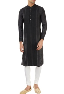 black-kurta-with-pleated-pattern