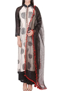 off-white-black-kurta-set-with-floral-print