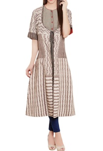 grey-kurti-with-printed-jacket