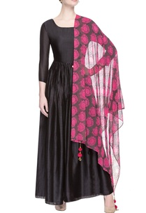 black-kurta-with-sunflower-printed-dupatta