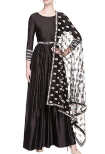 black-embroidered-anarkali-with-dupatta