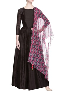 black-anarkali-with-pink-dupatta