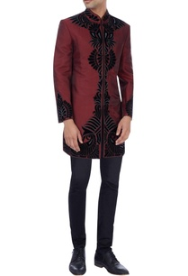 maroon-sherwani-with-applique