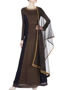 black-embroidered-kurta-set