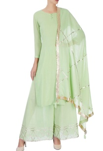 green-kurta-set-with-line-detailing