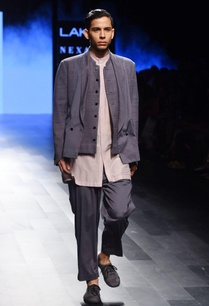 lavender-kurta-with-a-collar
