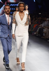 white-embellished-blazer-pant-set