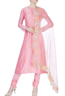 pink-kurta-set-with-emboridery