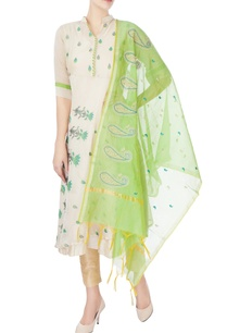 beige-kurta-with-floral-embroidery