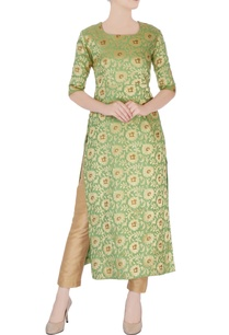 green-kurta-with-gold-embroidery