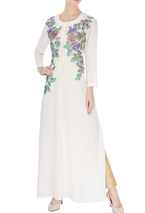 white-kurta-in-floral-embroidery