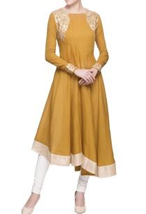 ochre-yellow-kurta-in-applique-embroidery