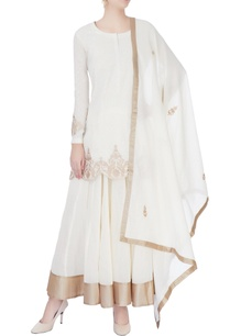 white-kurta-set-with-gold-print