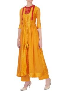 orange-thread-embroidered-kurta-jacket-dupatta