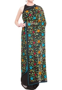 black-embroidered-classic-sari-with-blouse