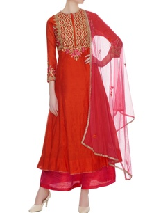 coral-red-chanderi-embroidered-kurta-set
