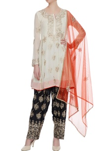 cream-gota-embroidered-kurta-with-black-dhoti-pants-dupatta
