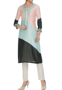 multicolored-embroidered-double-slit-kurta