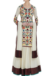 ivory-floral-machine-embroidered-kurta-with-skirt-dupatta