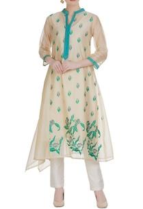 chanderi-floral-embroidered-draped-side-kurta