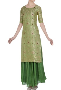 brocade-silk-floral-kurta-with-flared-skirt
