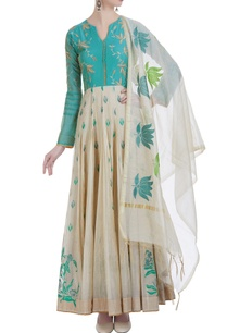 long-kali-kurta-with-resham-embroidery