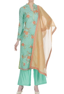 resham-thread-embroidered-kurta-set