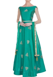 boat-neck-blouse-with-embroidered-lehenga-and-dupatta