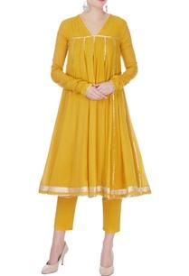 mustard-yellow-cotton-gotta-patti-kurta-with-pants